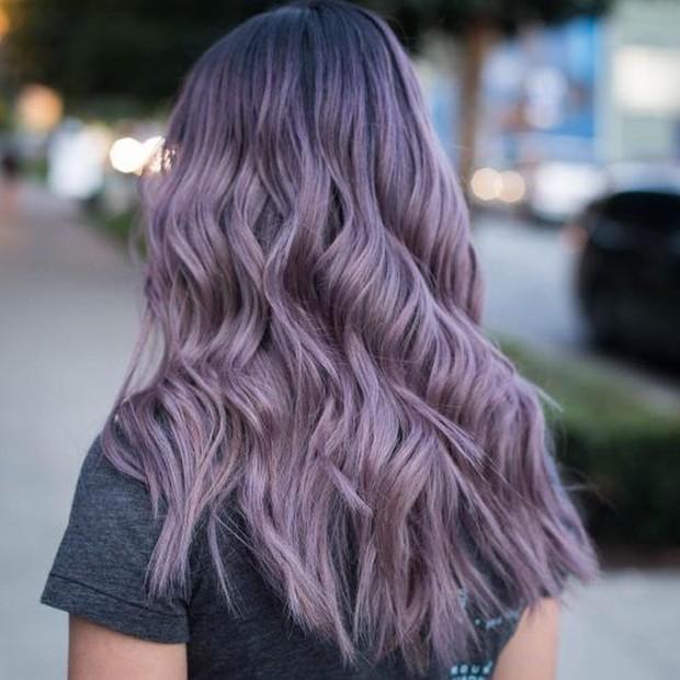 Contoh pewarnaan rambut dengan warna amethyst