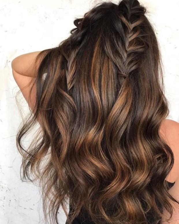 Contoh pewarnaan rambut dengan warna bronze brunette