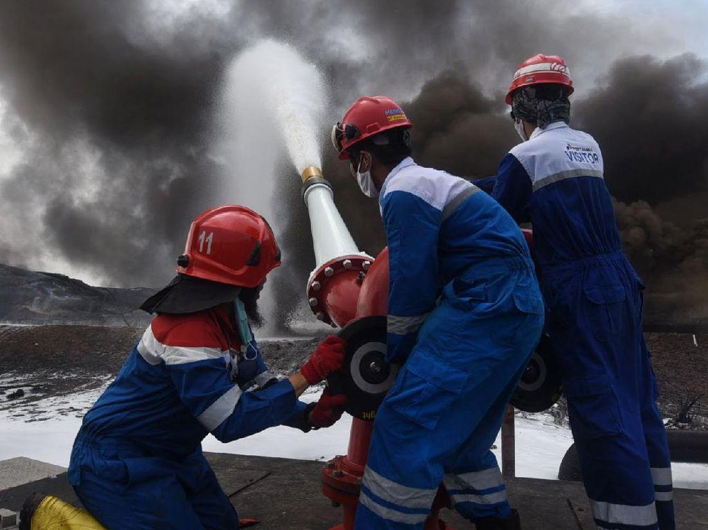 Bakal Ada Impor buat Ganti Stok BBM di Kilang Balongan yang Terbakar?