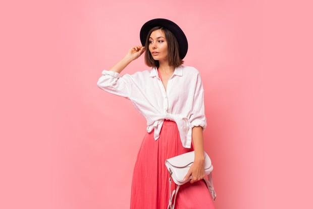 Mengenakan pakaian yang rapi dapat menambah kepercayaan diri untuk tampil lebih menarik tanpa perlu banyak usaha.