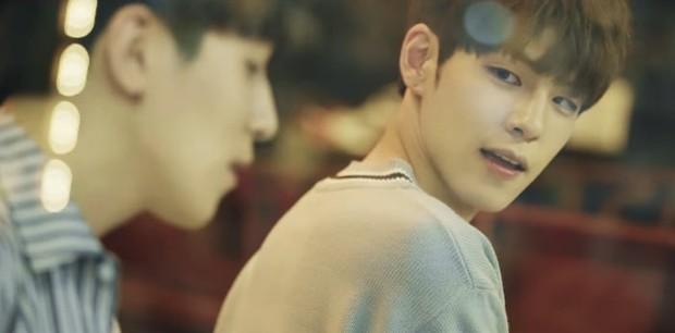 Menampilkan salah satu member yakni Wonpil dalam potongan gambar lagu When You Love Someone.