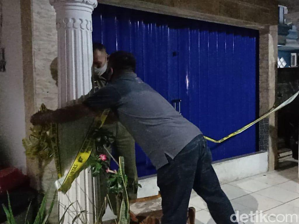 Garis Polisi di Rumah Zakiah Aini Penyerang Mabes Polri Dilepas