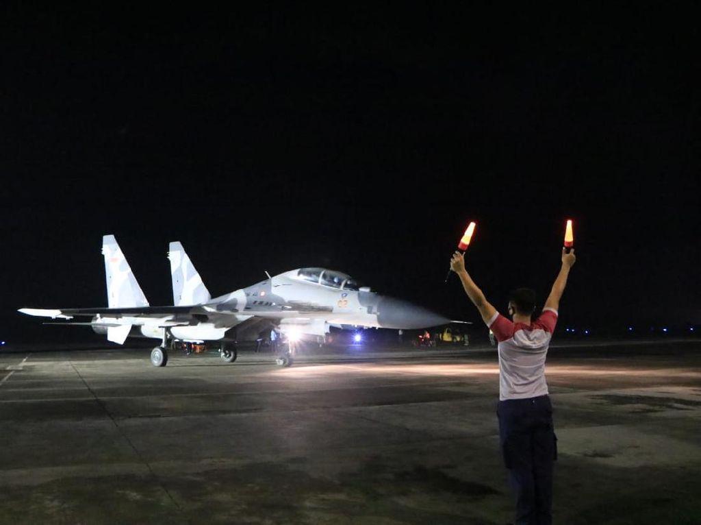 3 Pesawat Tempur AU Hilir Mudik di Langit Madiun Semalam, Ada Apa?