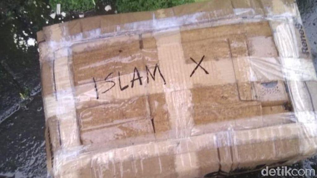 Potret Kotak Mencurigakan Islam X Ternyata Berisi Bohlam