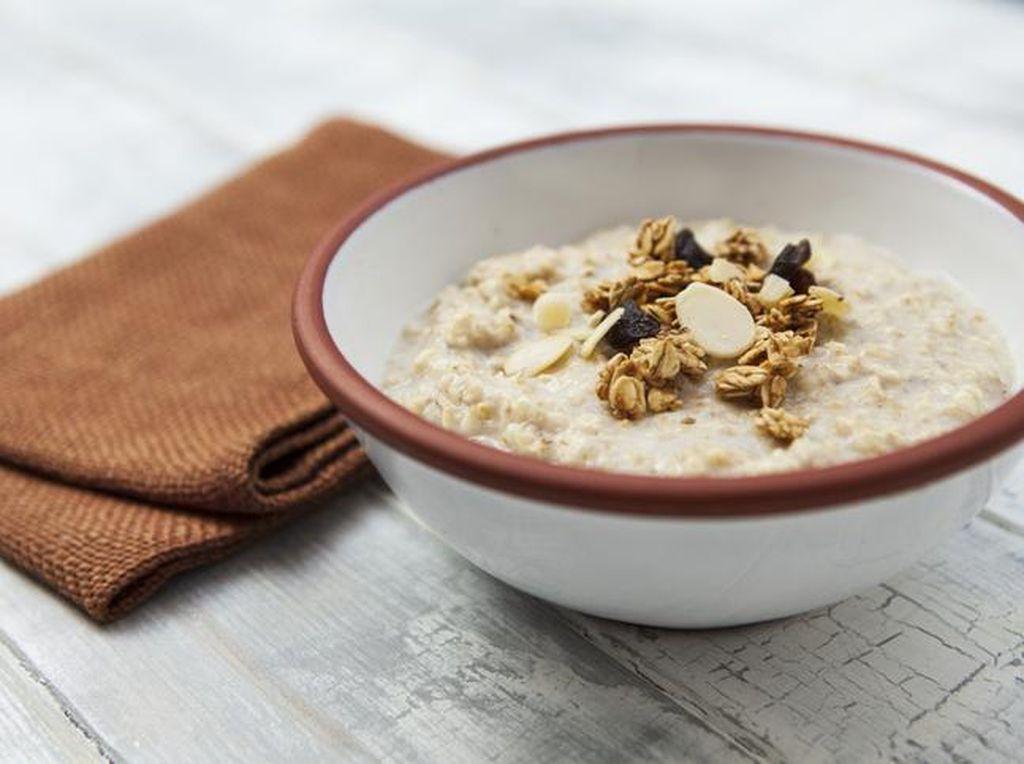Oatmeal untuk Diet: Manfaat hingga Resep Mudah dan Enak