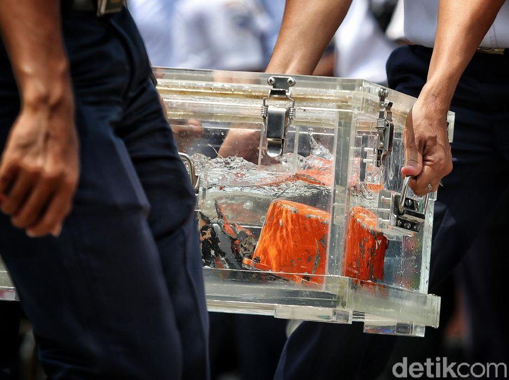 CVR Sriwijaya Air SJ-182 Ditemukan Pakai Kapal Isap Lumpur