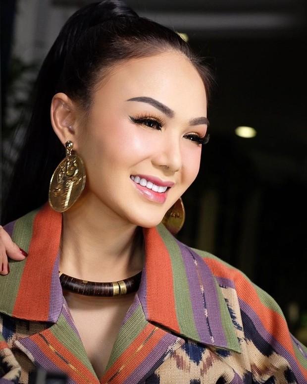 Penyanyi Yuni Shara