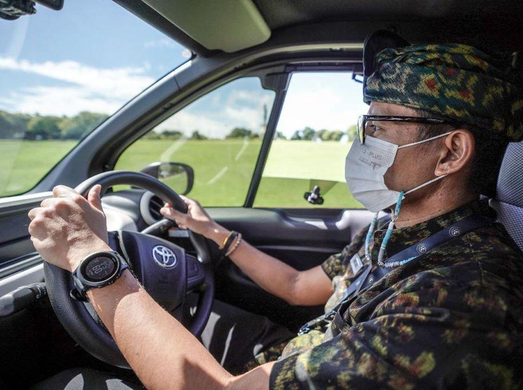 Sandiaga Naik Mobil Listrik di Bali, Wisata Ramah Lingkungan Dimulai