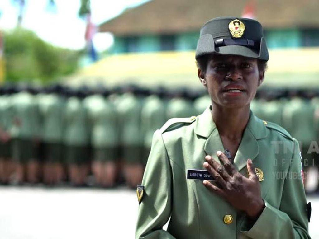 Perjuangan Putri Papua Utang hingga Kebanjiran 5 Meter Demi Jadi KOWAD