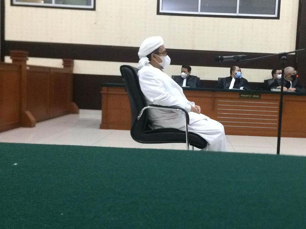 Habib Rizieq ke Eks Kapolres Jakpus: Kenapa Tak Larang Acara di Petamburan?