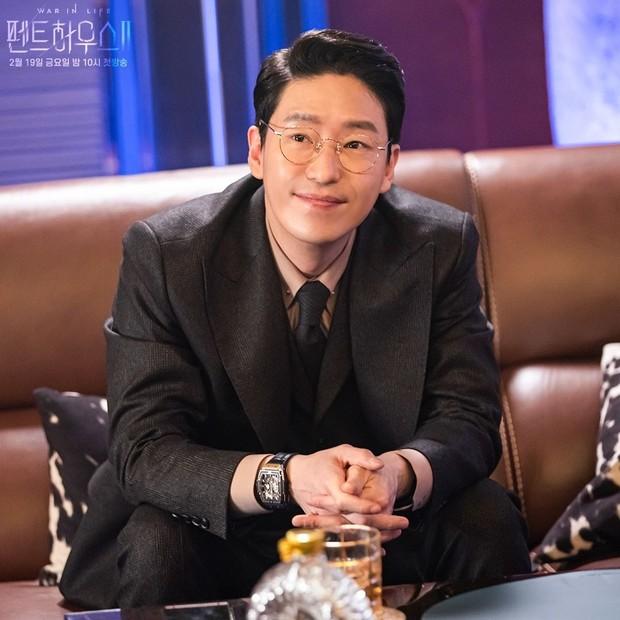 Tokoh Joo Dan Tae dalam drama Penthouse.