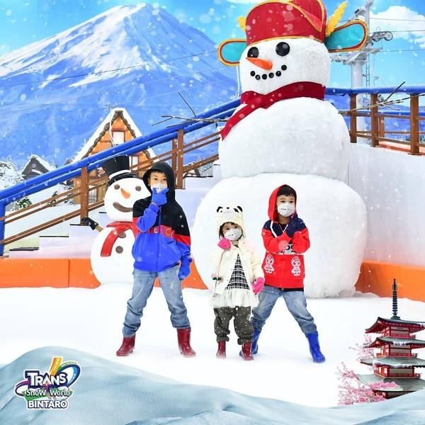 outfit Trans Snow World Bintaro