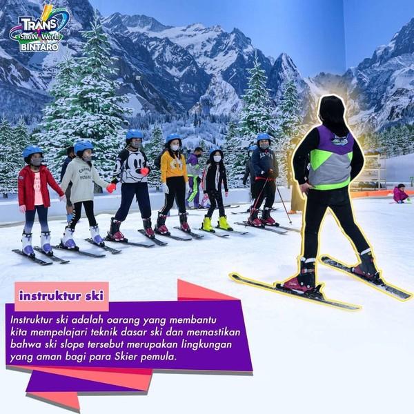 Wahana Ski untuk Anak di Trans Snow World Bintaro