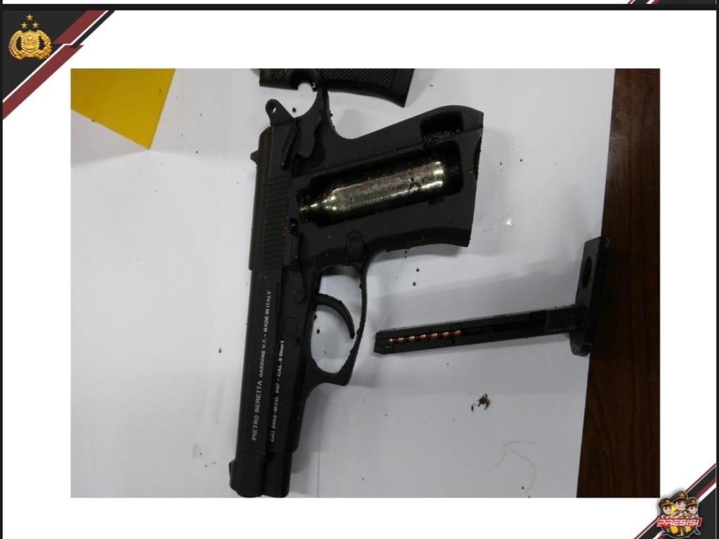 Ini Beda Airsoft Gun dengan Air Gun yang Dibawa Zakiah Aini
