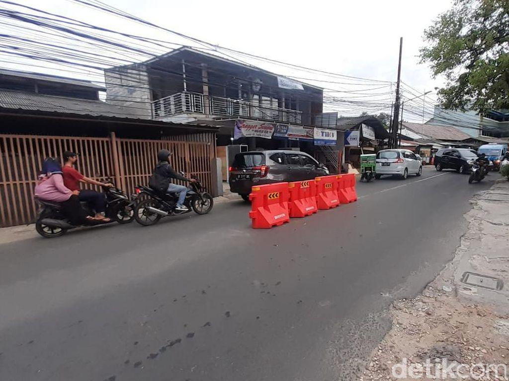 Dishub DKI Buka Kemungkinan Pasang Pembatas Jalan Permanen Jl Moh Kahfi I