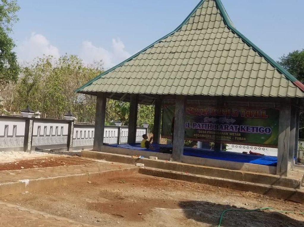 Lestarikan Sejarah Penyebaran Islam, Kades di Tuban Ini Bangun Makam Wali