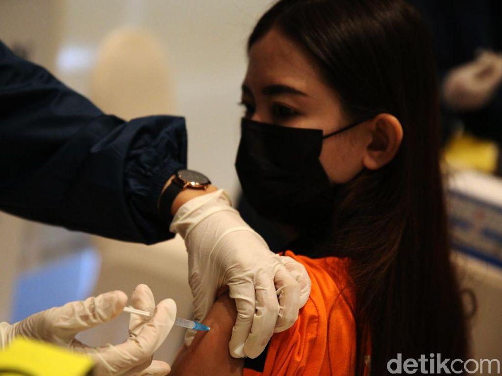 Rebutan Vaksin di Dunia Makin Keras, Stok di RI Aman Sampai Kapan?