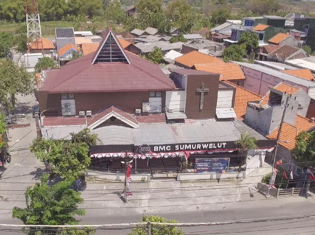 Gereja di Surabaya Ini Tetap Gelar Misa Paskah dengan Pengamanan Ketat