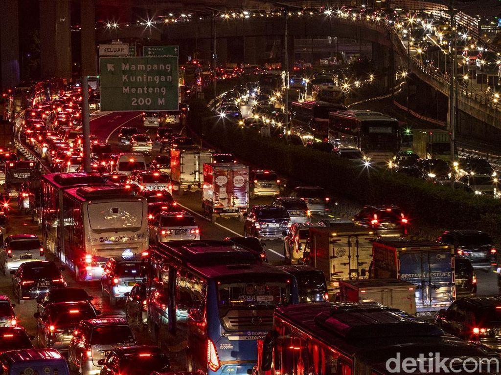Jelang Long Weekend, Tol Dalam Kota-Ring Road Padat di Sejumlah Titik