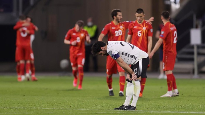 DUISBURG, GERMANY - MARCH 31: Ilkay Gundogan of Germany looks dejected during the FIFA World Cup 2022 Qatar qualifying match between Germany and North Macedonia at Schauinsland-Reisen-Arena on March 31, 2021 in Duisburg, Germany. Sporting stadiums around Germany remain under strict restrictions due to the Coronavirus Pandemic as Government social distancing laws prohibit fans inside venues resulting in games being played behind closed doors. (Photo by Alex Grimm/Getty Images)