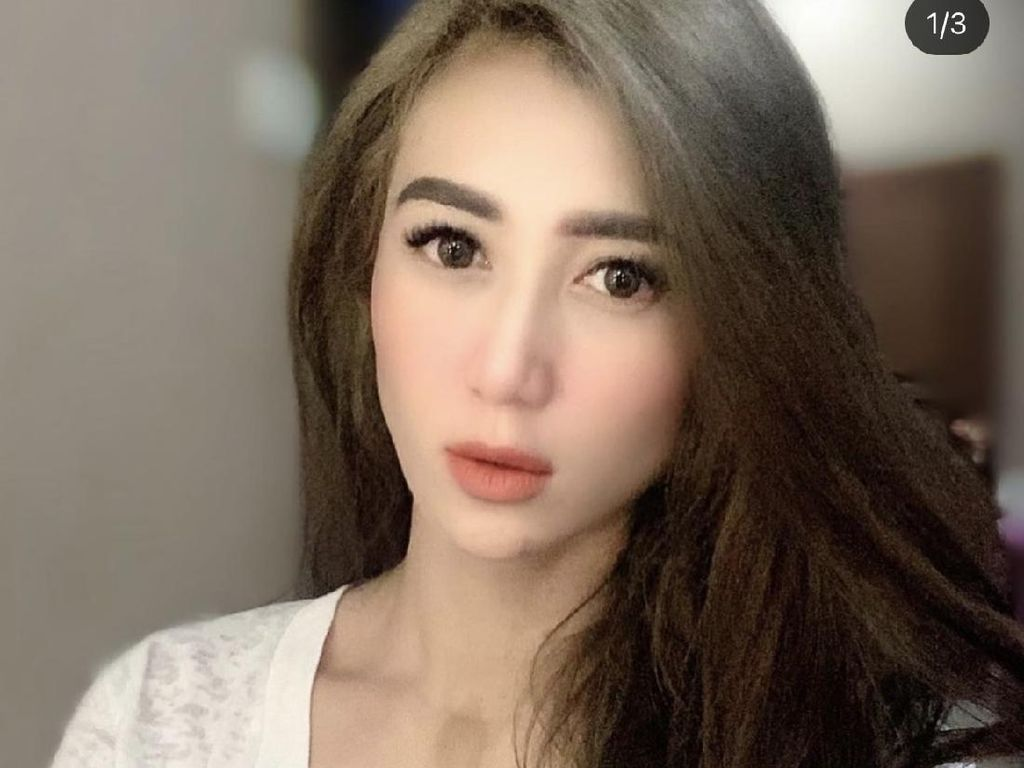 Livy Andriany Dituduh Pelakor Usai Pacaran 9 Tahun