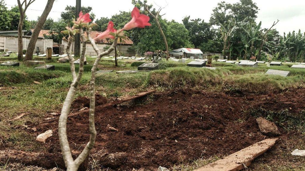 Penampakan Makam Zakiah Aini Penyerang Mabes Polri di TPU Pondok Ranggon