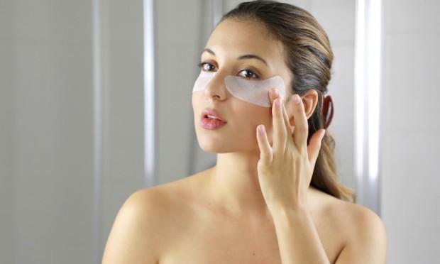 Manfaatkan sebagai Eye Mask untuk menyegarkan area sekitar mata/freepik.com