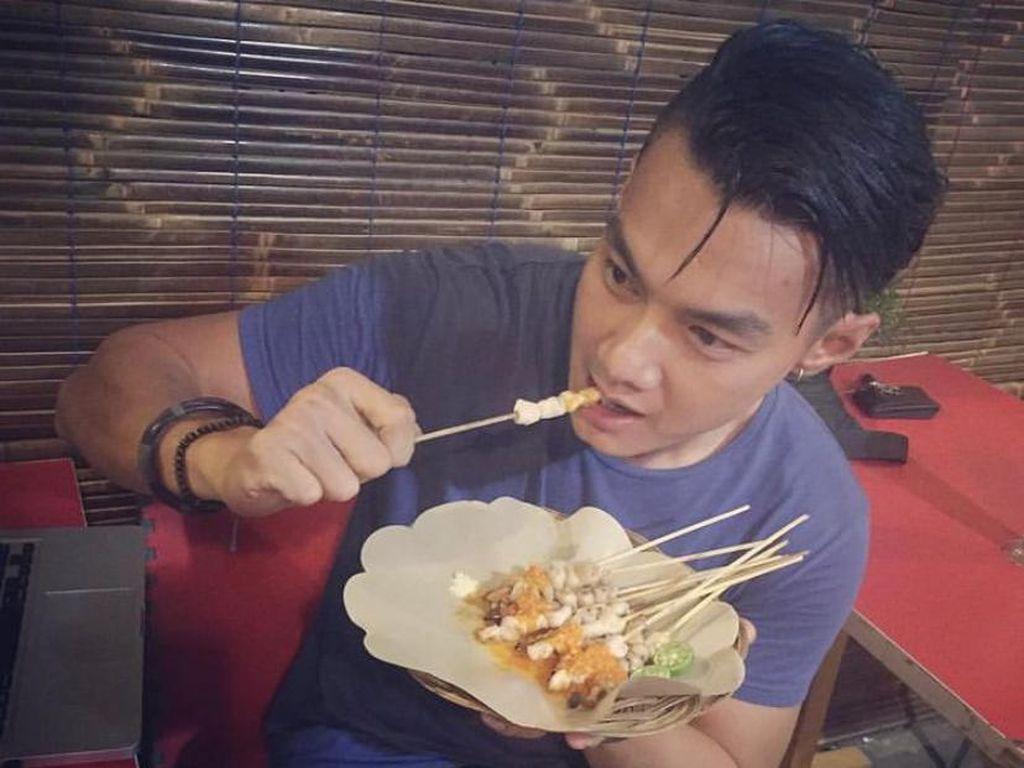 Sate Taichan dan Kopi Jadi Makanan Favorit Artis FTV Agung Saga