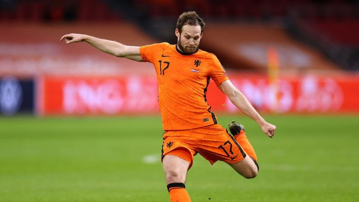 AMSTERDAM, NETHERLANDS - MARCH 27:   Daley Blind of Netherlands in action during the FIFA World Cup 2022 Qatar qualifying match between the Netherlands and Latvia at the Amsterdam Arena on March 27, 2021 in Amsterdam, Netherlands. In a government-backed initiative 5,000 ticket-holders will be allowed watch the match provided they have tested negative for coronavirus. (Photo by Dean Mouhtaropoulos/Getty Images)