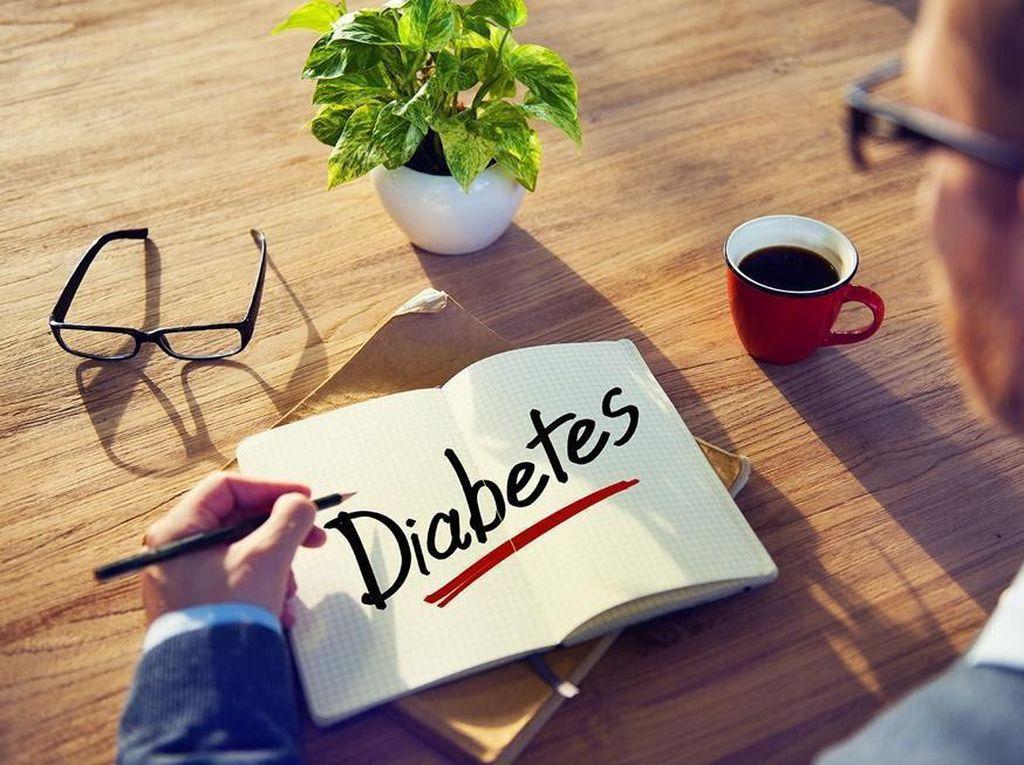 Kebiasaan Saat Kerja yang Berpotensi Tingkatkan Risiko Diabetes