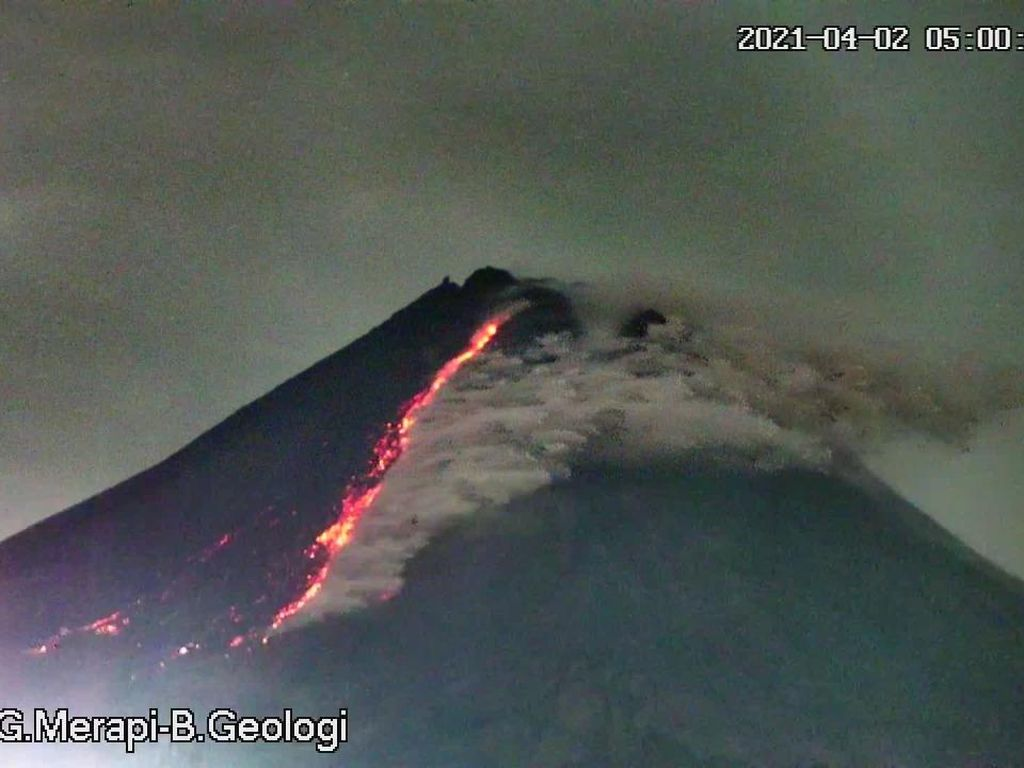 Gunung Merapi 3 Kali Luncurkan Awan Panas Pagi Ini