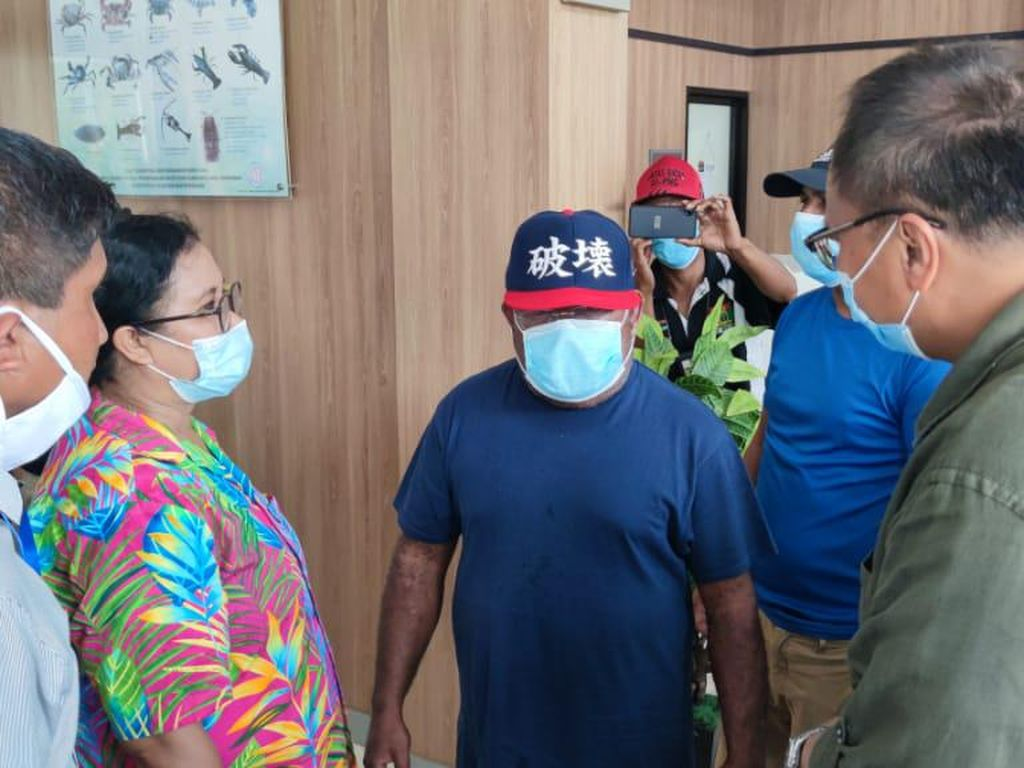 Dideportasi, Gubernur Papua Ngaku ke PNG untuk Terapi Saraf Kaki