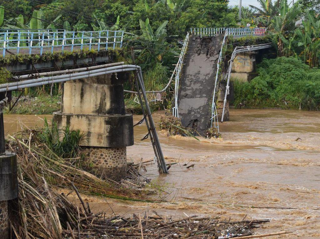 Waduh, Ada Jembatan Putus di Madiun