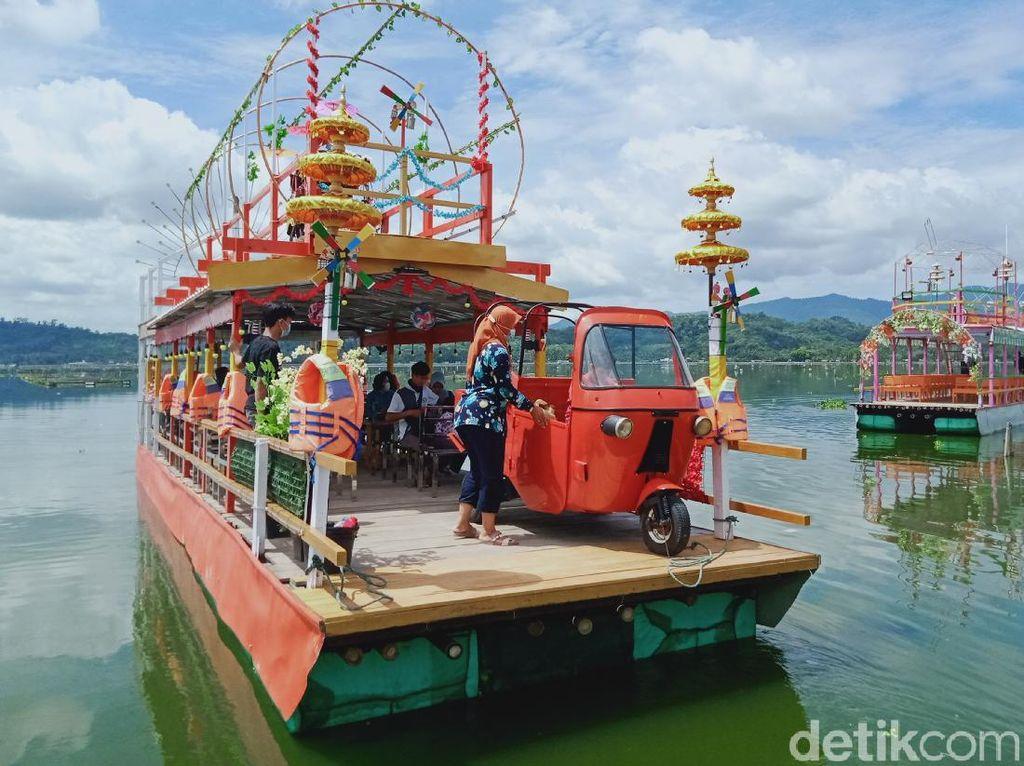 Keren, Perahu Tradisional Jadi Magnet Baru Objek Wisata Rawa Jombor di Klaten