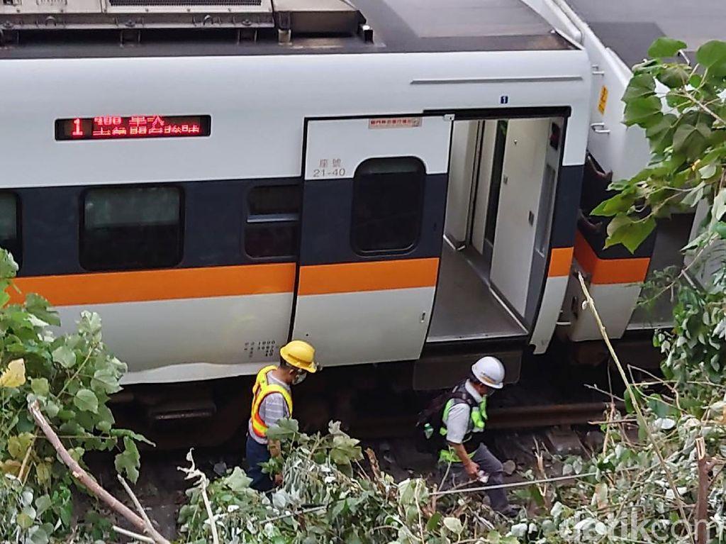 Kisah Pilu Wanita Kehilangan Suami-2 Anak dalam Kecelakaan Kereta Taiwan