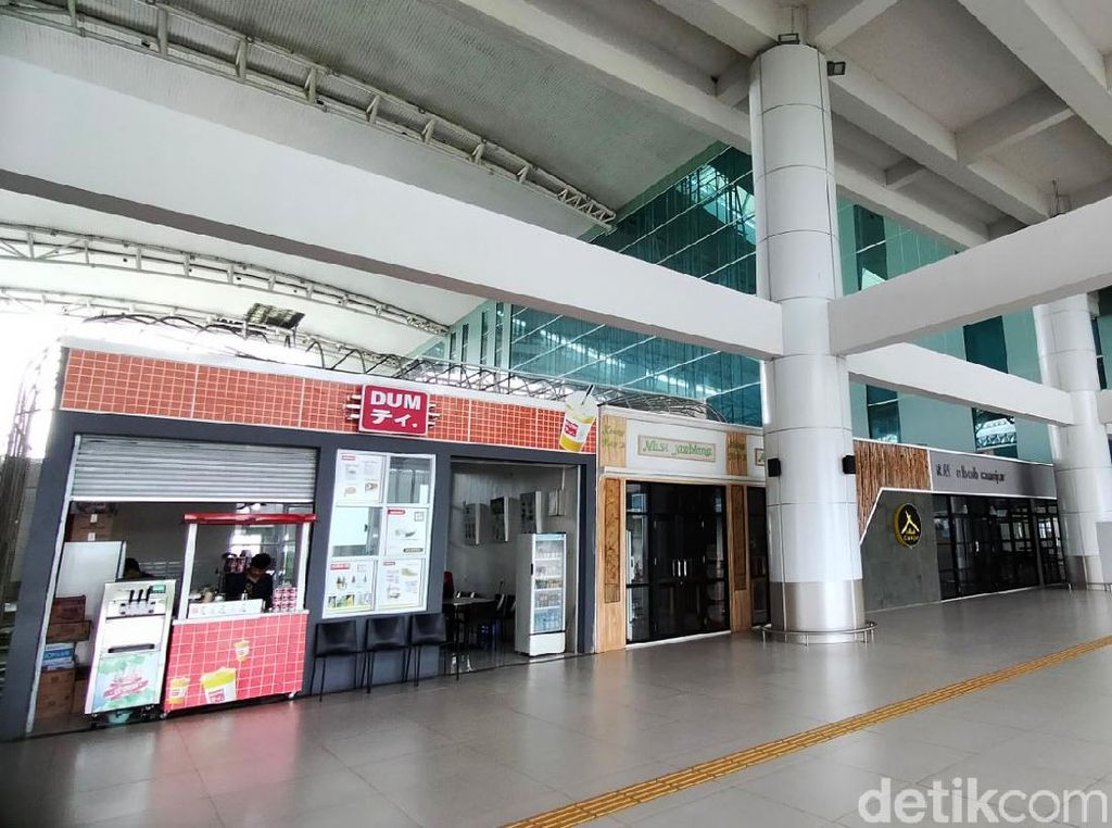 Melihat Sepinya Bandara Kertajati Majalengka