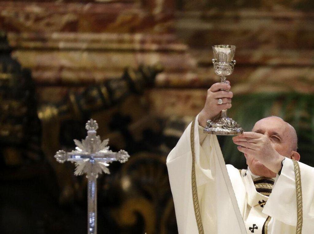 Paus Fransiskus Beri Pesan Agar Pastor Tetap Rendah Hati
