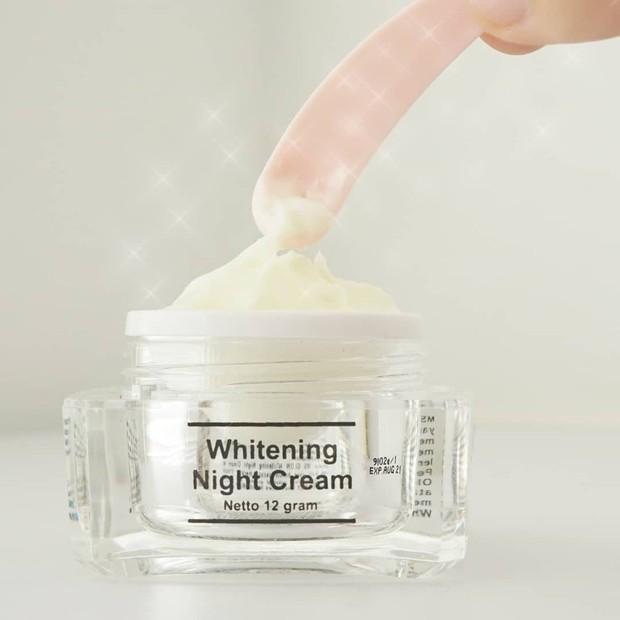 MS Glow Whitening Night Cream membantu mencerahkan kulit di malam hari/shoope.co.id