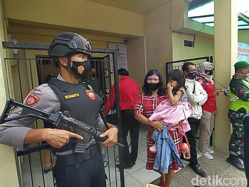 Pengamanan Paskah, Polisi Bersenjata Kawal Gereja di Ciamis-Pangandaran