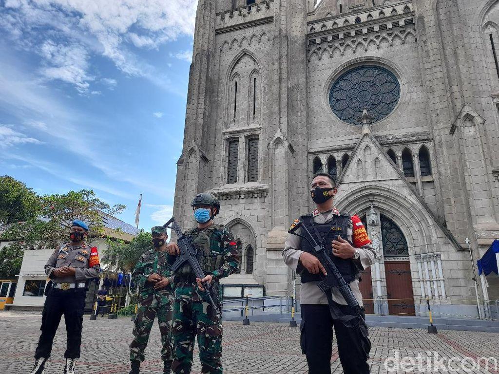 Polisi Sisir Gereja Katedral Jakarta Jelang Jumat Agung