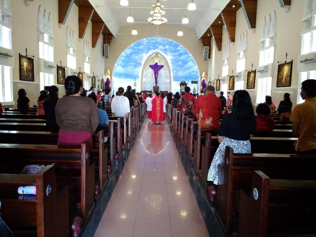 Gereja Katedral Medan Gelar Ibadah Jumat Agung, Jumlah Jemaat Dibatasi