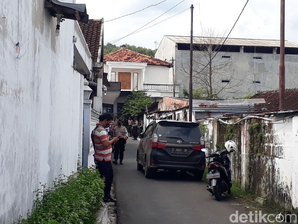 Warga Sebut Terduga Teroris di Tuban Sosok yang Tertutup