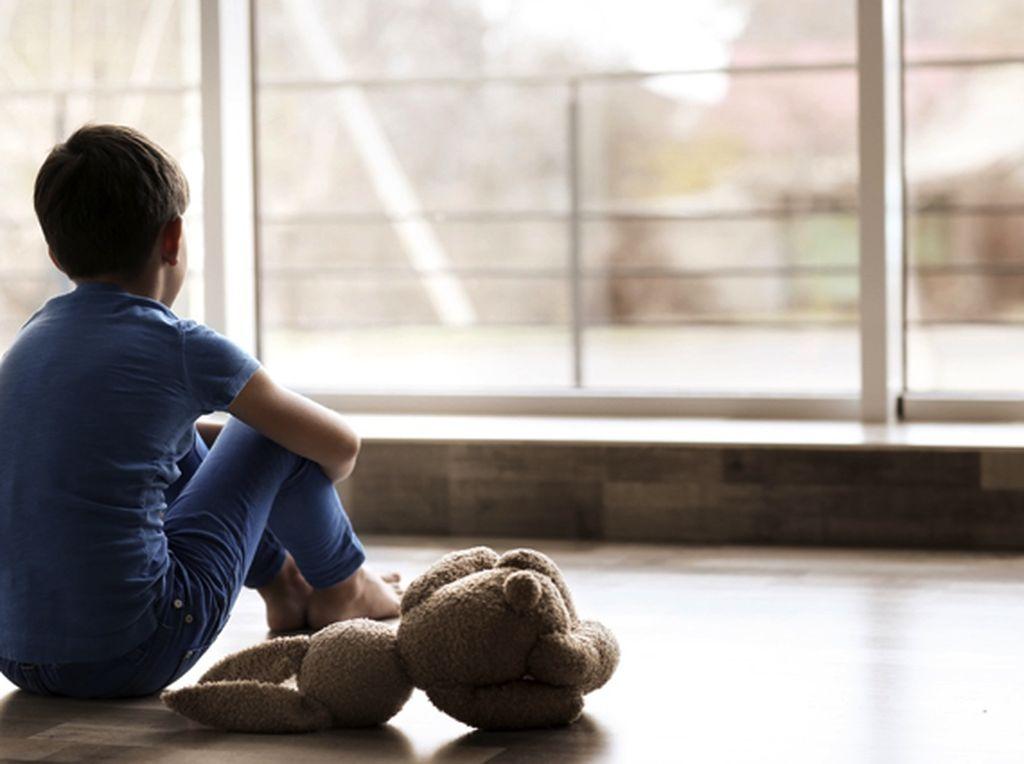 Kenali Tanda Anak Mulai Tidak Bahagia di Rumah