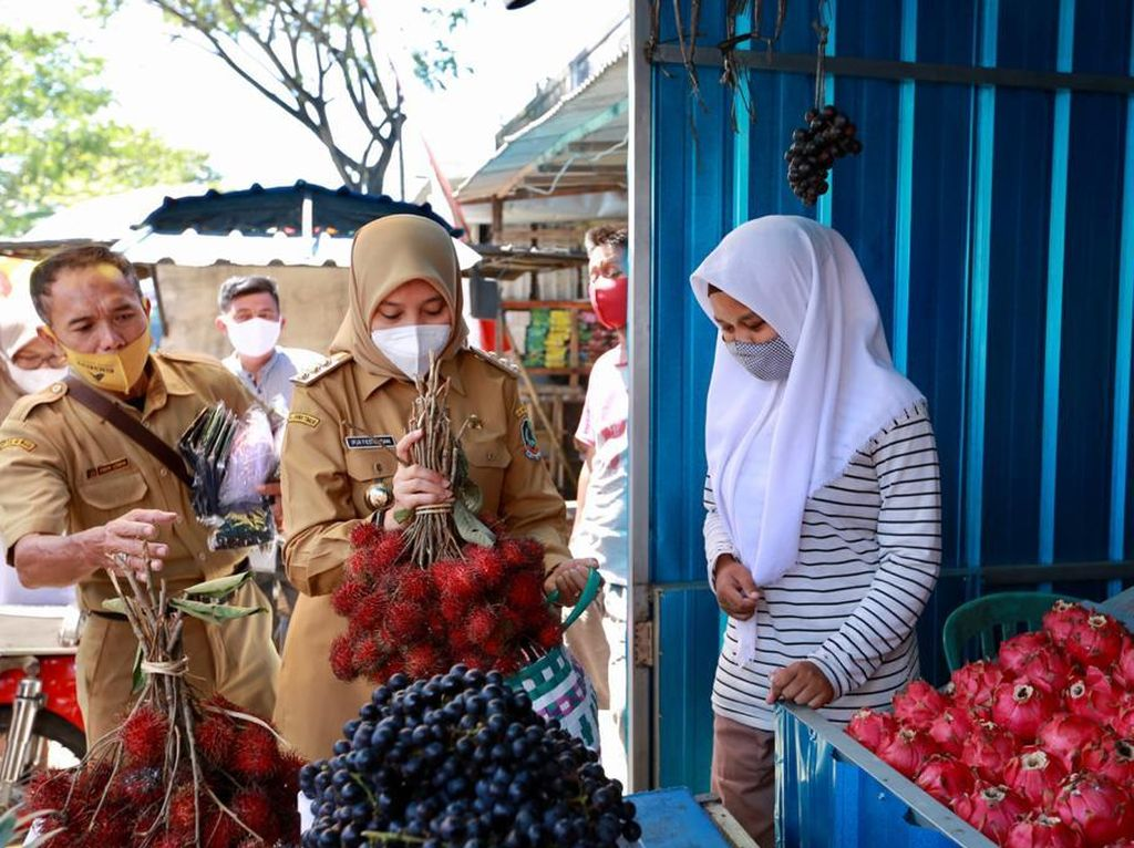 Besok, Bupati Ipuk Kerahkan Ribuan Orang Serbu Pasar-UMKM Se-Banyuwangi