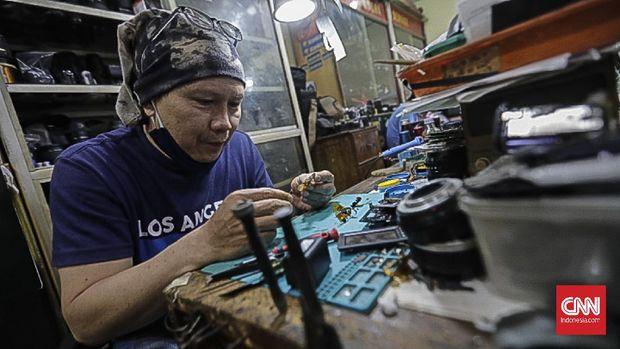 Bursa Kamera, Metro Atom Pasar Baru. Jakarta, 31 Maret 2021 . (CNN Indonesia/ Adhi Wicaksono)