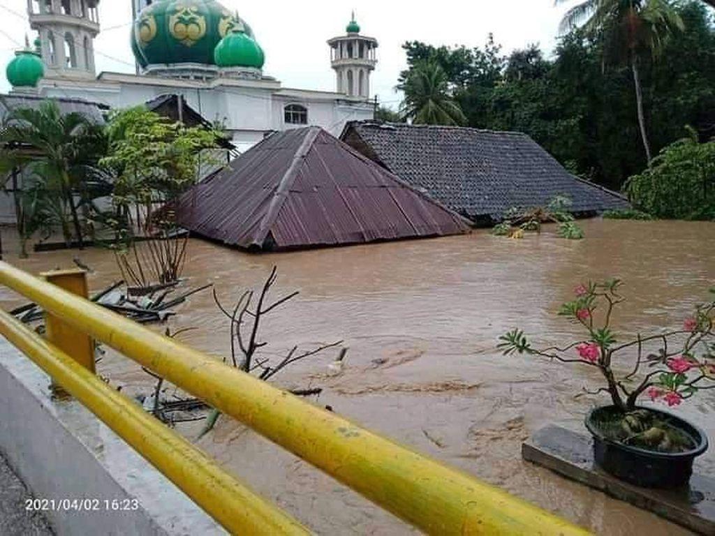 Banjir Bandang di Kabupaten Bima NTB, 1 Orang Tewas