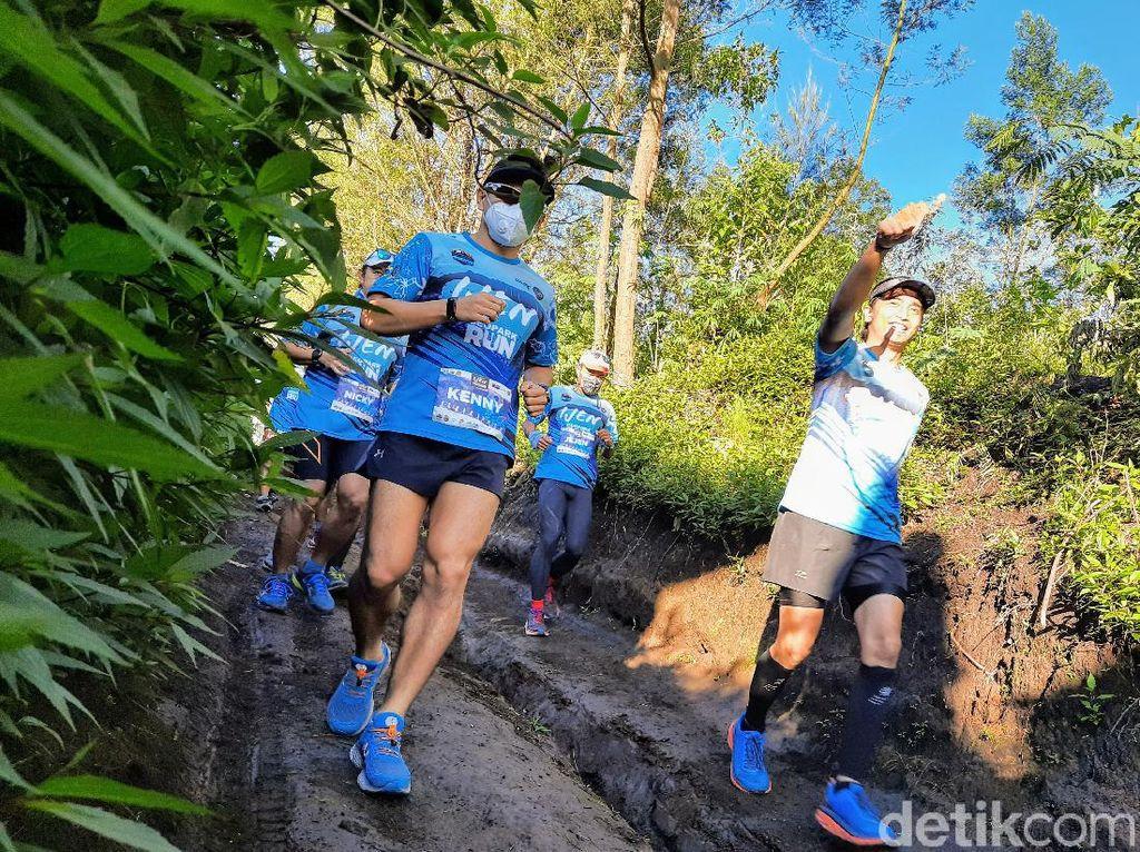 Puluhan Pelari Lintas Alam Berlomba di Ijen Geopark Run