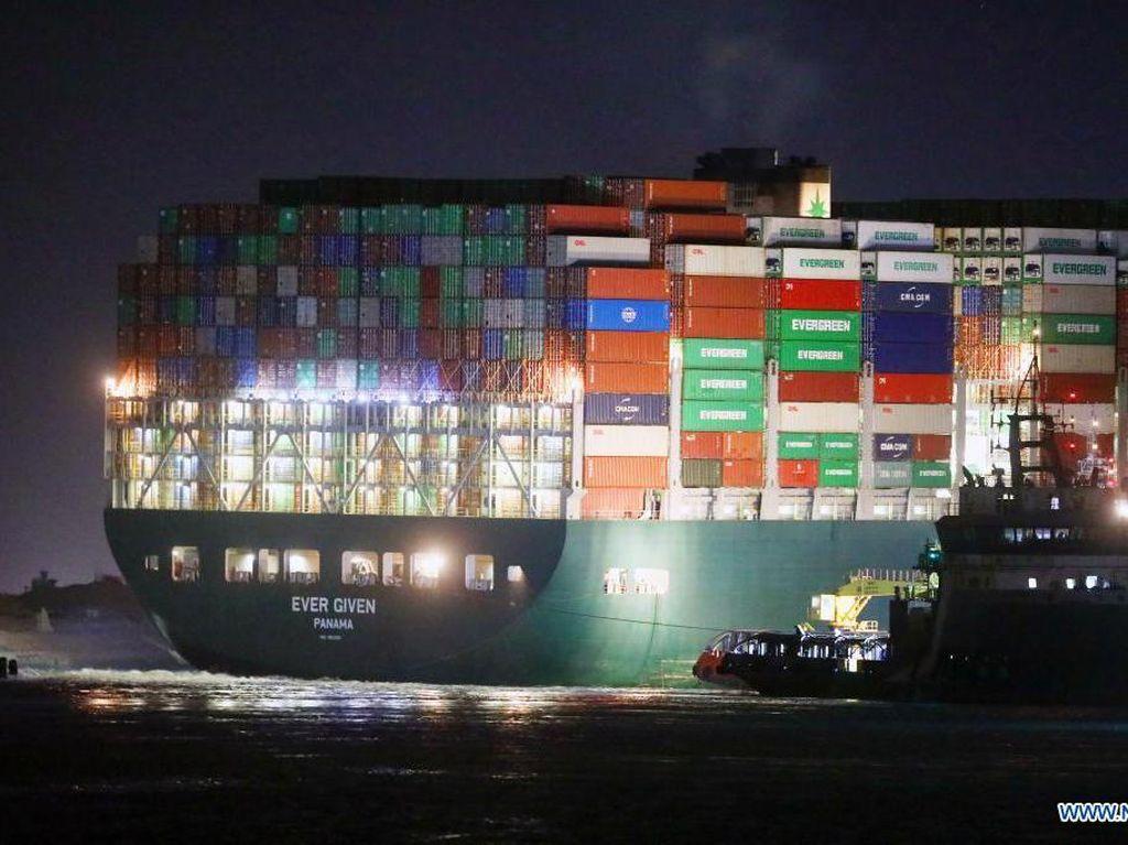 Kabar Terkini Kapal Raksasa yang Nyangkut di Terusan Suez