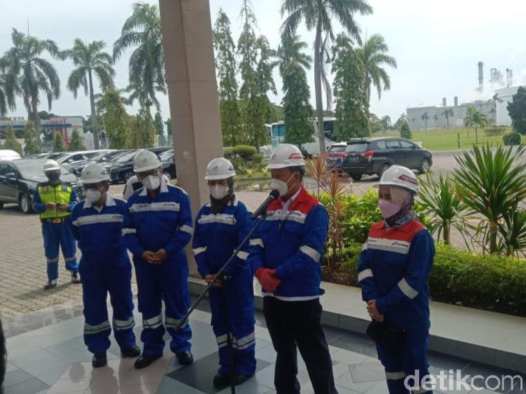 Tinjau Kilang Pertamina Indramayu, Menteri ESDM: Api Sudah Bisa Dikendalikan