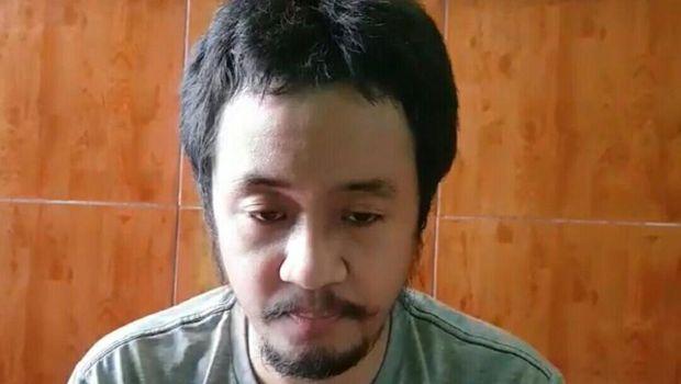 Pengakuan teroris di Jakarta: Rencanakan Peledakan Industri China-SPBU. Foto dari screenshot video yang dikirim orang densus.
